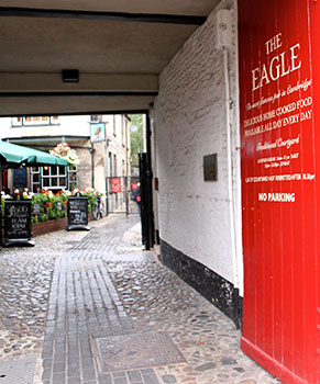 cambridge-food-tour-the-eagle-pub