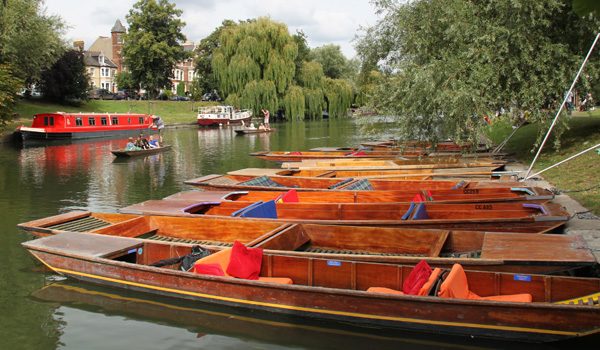 cambridge-food-tour-punts-jesus-green