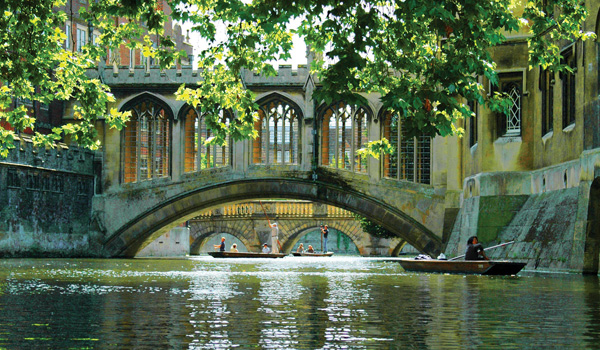 punting on the river cambridge bridge of sigh